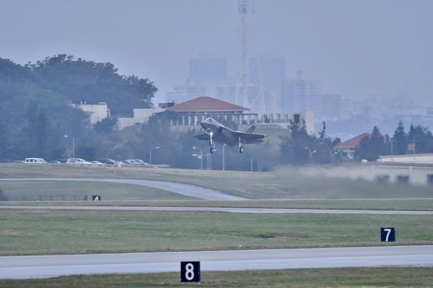 嘉手納基地2日目。。朝から第一陣HLのF-35A 上がり 20180109