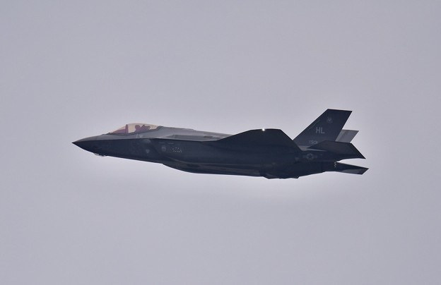 第2陣もF-35A ローパスからオーバーヘッドブレイクへ(1) 20180109