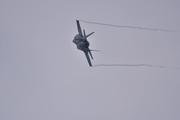 第2陣もF-35A ローパスからオーバーヘッドブレイクへ(3) 20180109