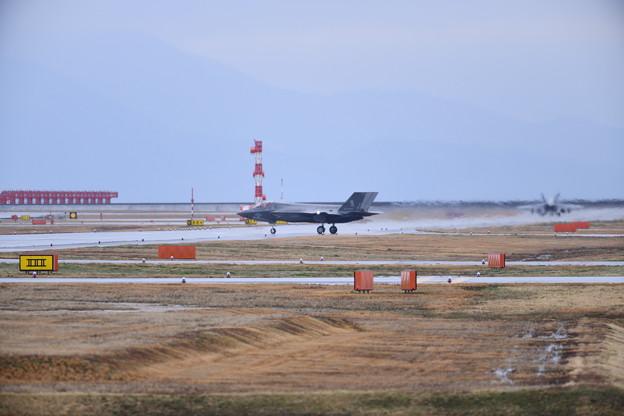 撮って出し。。小雨混じり岩国基地F-35Bローカル訓練へ 3月21日