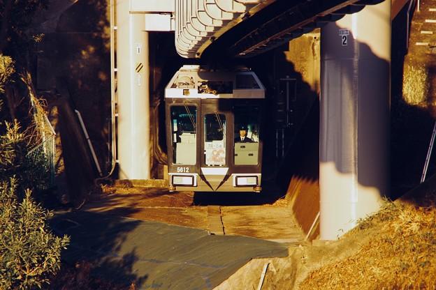 夕暮れの湘南江ノ島駅 懸垂式モノレール 20180127
