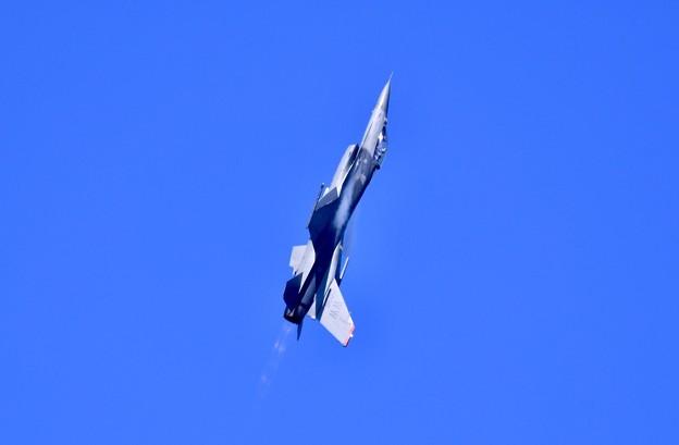 芦屋基地航空祭予行練習 岩国リモートで米空軍F-16デモチームアクロバット(1)