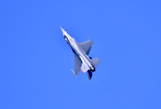 芦屋基地航空祭予行練習 岩国リモートで米空軍F-16デモチームアクロバット(3)