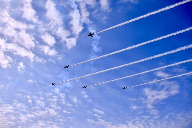 Photos: 芦屋の大空でブルーインパルスデルタ飛行。。20180218