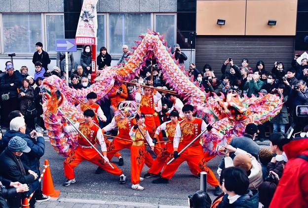 横浜中華街春節。。決まった龍舞のポーズ(^^) 20180224