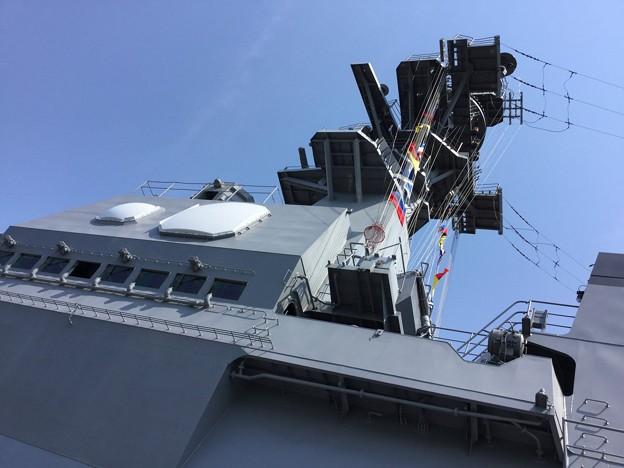撮って出し。。護衛艦ひゅうが一般公開。。艦橋 6月2日