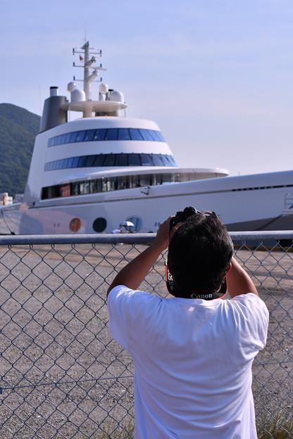 撮って出し。。珍しい船だからカメラで納める(^^) 6月2日