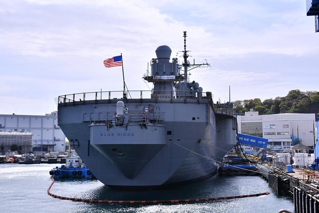 修理も終えて揚陸指揮艦ブルーリッジ 20180407