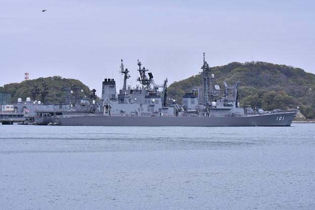 写真: ヴェルニー公園から吉倉桟橋の護衛艦むらさめ 20180407