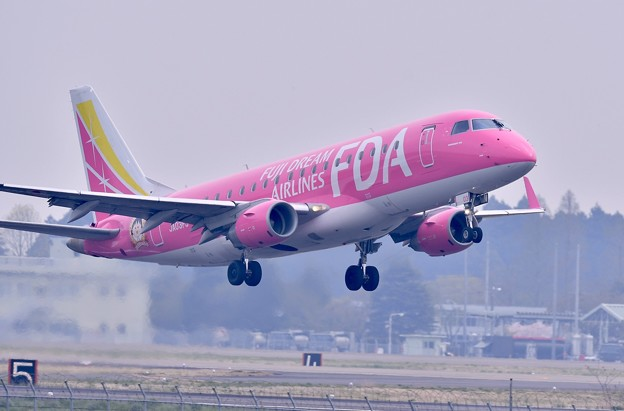 朝の茨城空港からピンクのFDA上がり 20180412