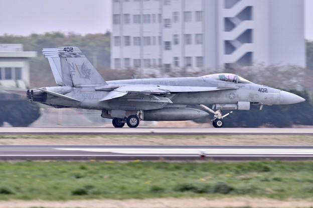 日米共同訓練。。米海軍チッピー NF402(1) 上がり 20180411