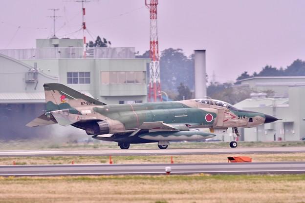 百里基地。。偵察機RF-4 上がり 20180411