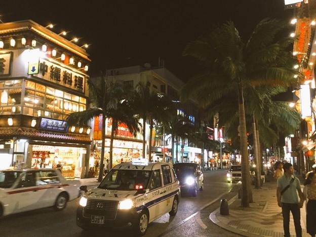 撮って出し。。沖縄那覇 夜の国際通り 夕食を。。(1) 6月17日