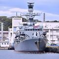 Photos: 米海軍横須賀基地にイギリス海運フリゲート艦HMS F81サザーランド(1) 20180415