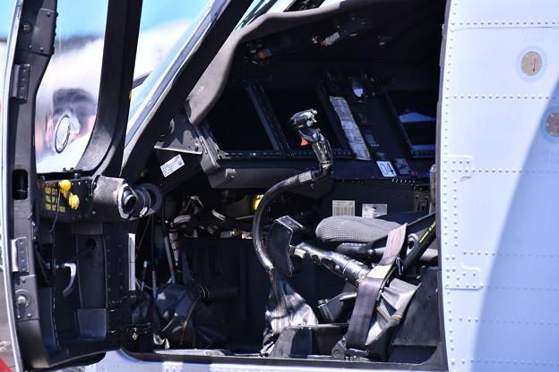 厚木基地開放。。ウォーローズのMH-60ヘリコプター操縦席 20180421
