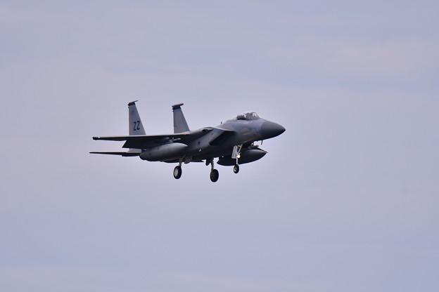 写真: 撮って出し。。ラプターの代わりに嘉手納から台風回避でZZイーグル大量飛来