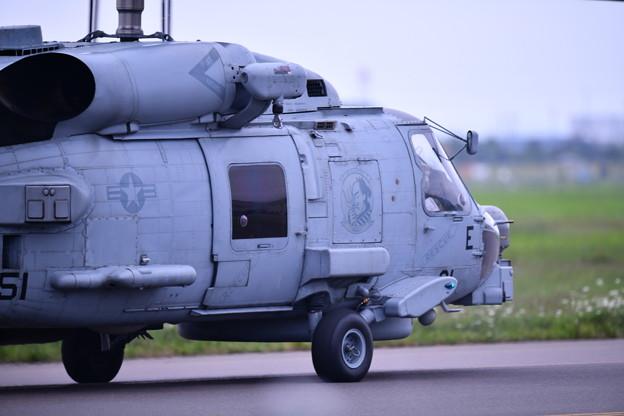 撮って出し。。札幌航空ページェントの為厚木基地から米海軍HSM51ウォーローズMH60 到着 丘珠空港 8月11日