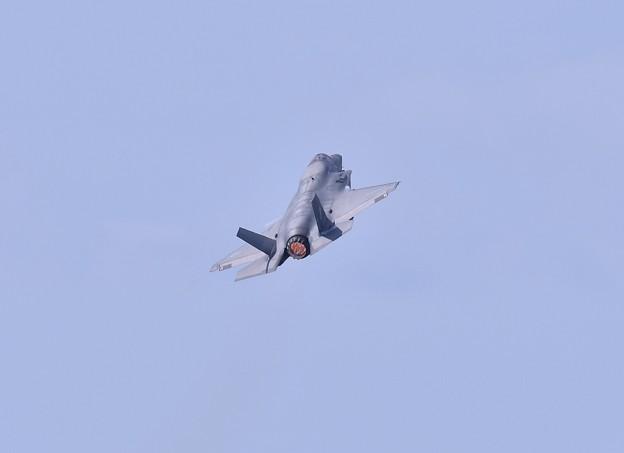 岩国基地。。米海兵隊のステルス戦闘機F35B デモ飛行へ旋回 20180503