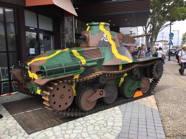 撮って出し。。夏風物詩総合火力演習 御殿場駅にも戦車 20180825