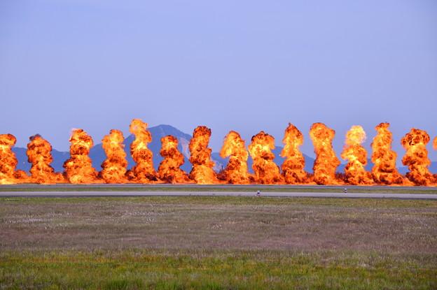 岩国基地 ハリウッド並みの火薬量で攻撃での爆破(1)