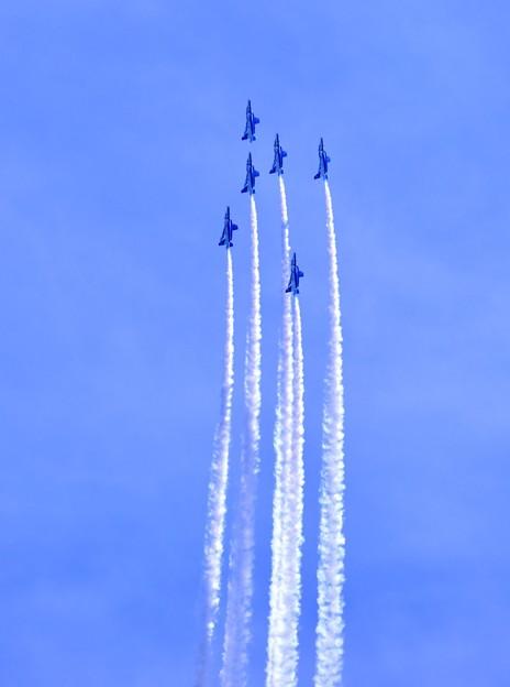 静浜基地航空祭 ブルーインパルスフェニックスループへ 20180520