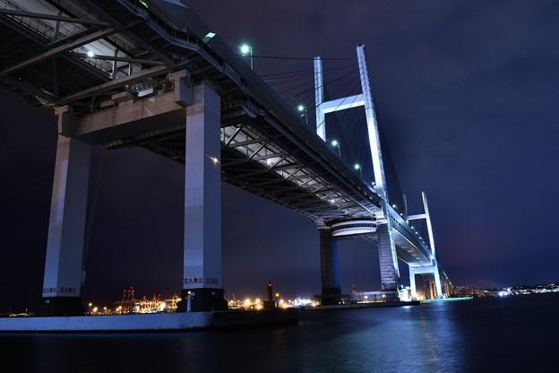 写真: 大黒埠頭から見るヨコハマシンボル ベイブリッジ 20180601