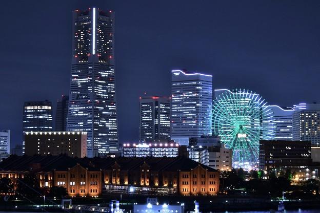 横浜みなとみらいの夜景。。大さん橋から 20180601