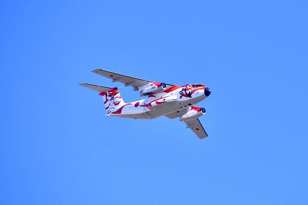 撮って出し。。入間基地の青空へ歌舞伎塗装機C-1 旋回 10月29日