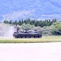 写真: 防府基地航空祭 戦車に試乗できる航空祭(1)