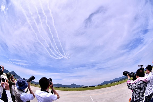 防府基地航空祭 ブルーインパルス デルタロールへ