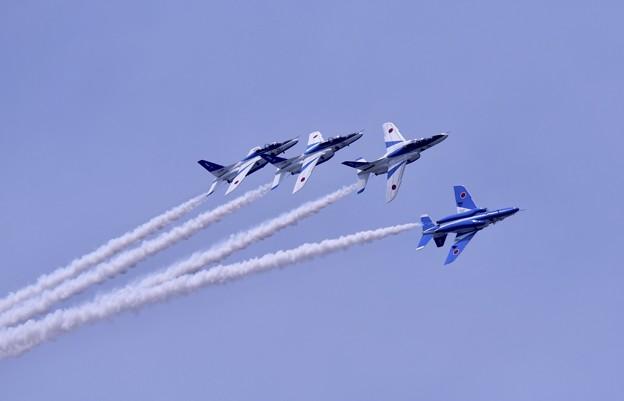 防府基地航空祭 ブルーインパルス ローリングコンバットピッチ