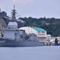 海自横須賀基地 試験艦あすかと潜水艦こくりゅう 20180609
