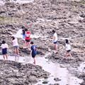 Photos: 沖縄 瀬長島の海岸で遊ぶ子供達 20180617