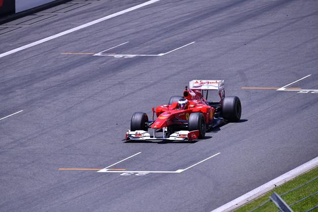 富士スピードウェイメインスタンド走行フェラーリF1(3) 20180630