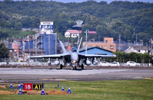 先日本国へ帰投したVAQ138イエロージャケッツ グラウラー 横田基地(1) 20180701