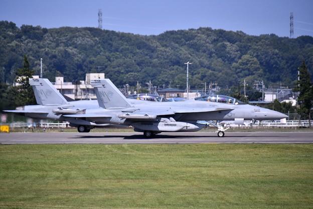 先日本国へ帰投したVAQ138イエロージャケッツ グラウラー 横田基地(3) 20180701