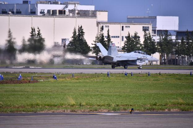 先日本国へ帰投したVAQ138イエロージャケッツ グラウラー 横田基地(4) 20180701
