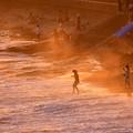 Photos: 2018年振り返って。。夕方の稲村ヶ崎 波打ち際で遊ぶ風景(1) 20180826