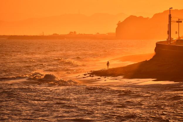 Photos: 2018年振り返って。。夕方の稲村ヶ崎から見る波煙 20180826