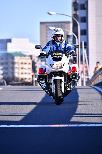 Photos: 撮って出し。。新年撮りはじめは箱根駅伝往路 白バイ隊員 1月2日
