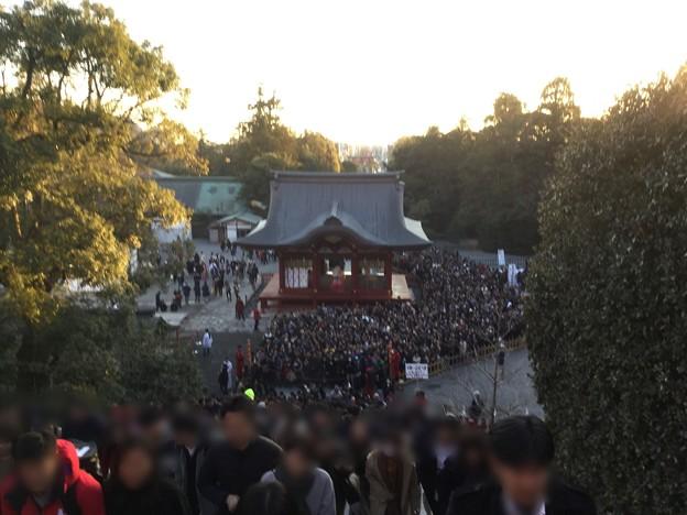 撮って出し。。江ノ島から夕方鎌倉鶴岡八幡宮へ。。すごい人(^_^;) 20190105