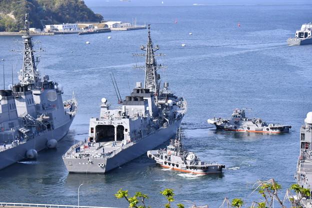 撮って出し。。護衛艦おおなみ 横須賀基地を出港 20190420