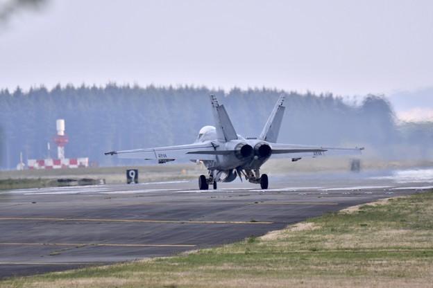 ある日の横田基地 VFA-27ロイヤルメイス スーパーホーネット帰投(3)