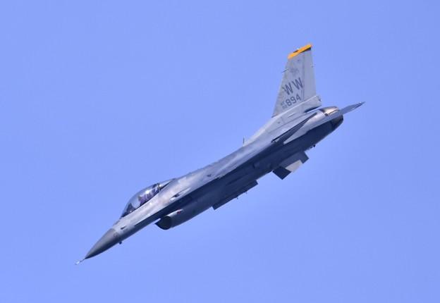 9月の撮って出し。。三沢基地航空祭予行 米空軍F16 デモ飛行 20190908 (1)