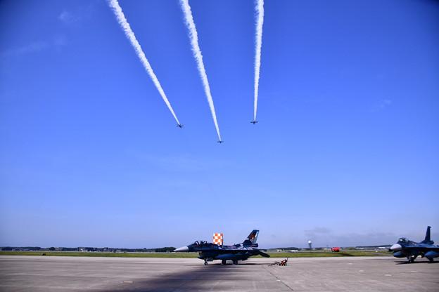9月の撮って出し。。三沢基地航空祭ブルーインパルス展示飛行(4)