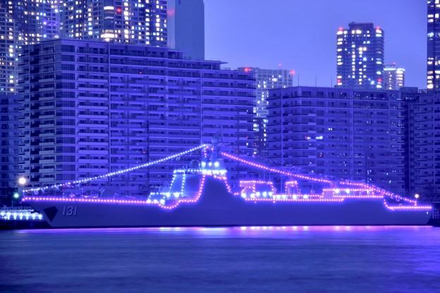 10月の撮って出し。。観艦式で寄港してた中国海軍駆逐艦太原 電灯艦飾(1)