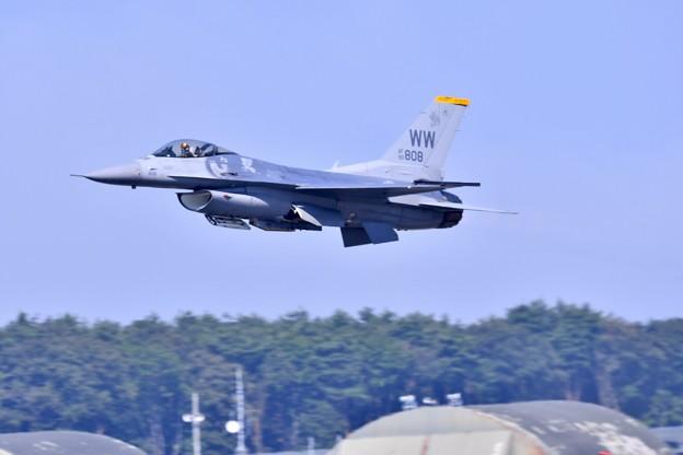 9月の撮って出し。。三沢基地航空祭 米空軍F16デモストレーション(1)