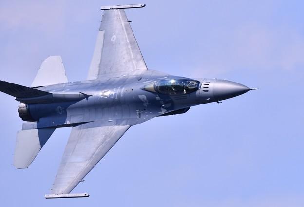 Photos: 9月の撮って出し。。三沢基地航空祭 米空軍F16デモストレーション(4)