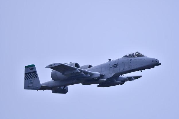 Photos: 9月の撮って出し。。三沢基地航空祭翌日 オーサンへ帰投 A-10サンダーボルト (1)