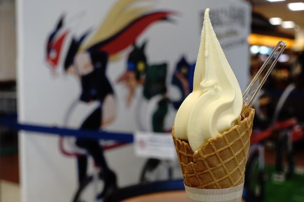 極みソフトクリーム(松山道【上り】・石槌山SA)